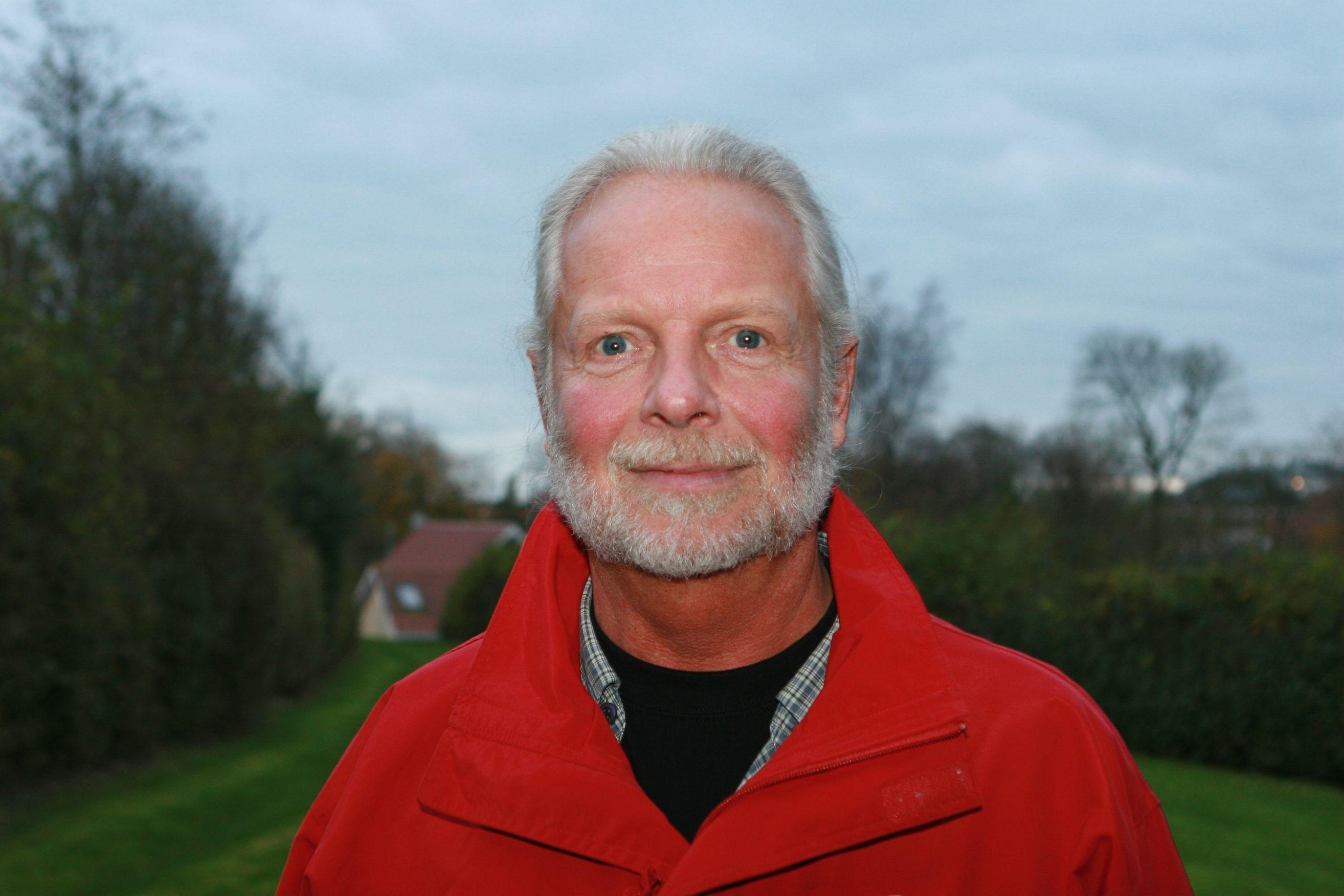 Formand for Aars Billardklub, Mikael Toft, er fortrøstningsfuld trods udsættelse af både DM og klub-jubilæum.