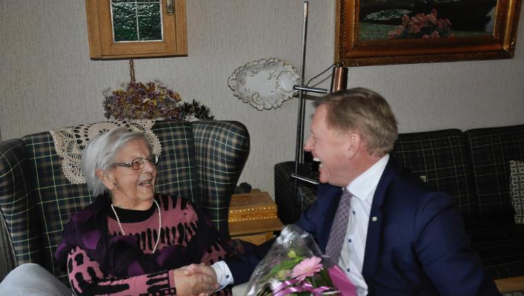 Kommunens ældste borger havde frisk bemærkning til borgmesteren