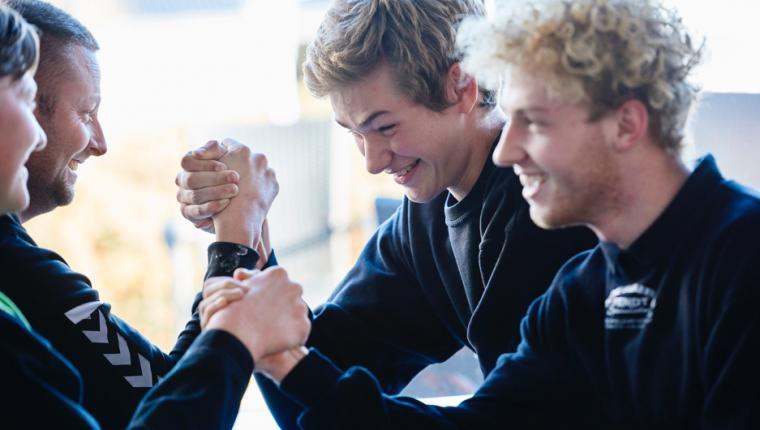 På Erhvervsskolerne Aars hænger eleverne ved