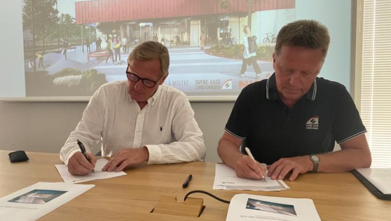 Kontrakten underskrevet:  I 2023 får Aars og hele Vesthimmerland et nye svømmecenter