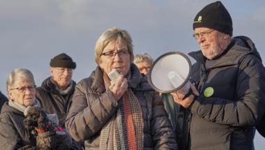 Kendt politiker bakker lokal forening op