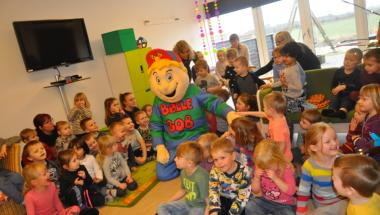 Arbejder på åbning af skole og børnehaver