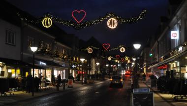 Aars-butikker udvider åbningstiden op til jul