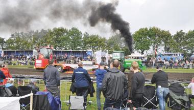 Omkring 3000 kom til DM i traktorpulling i Aars