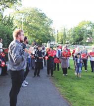 Over 100 deltog i protest for syrere i Aars Lystanlæg